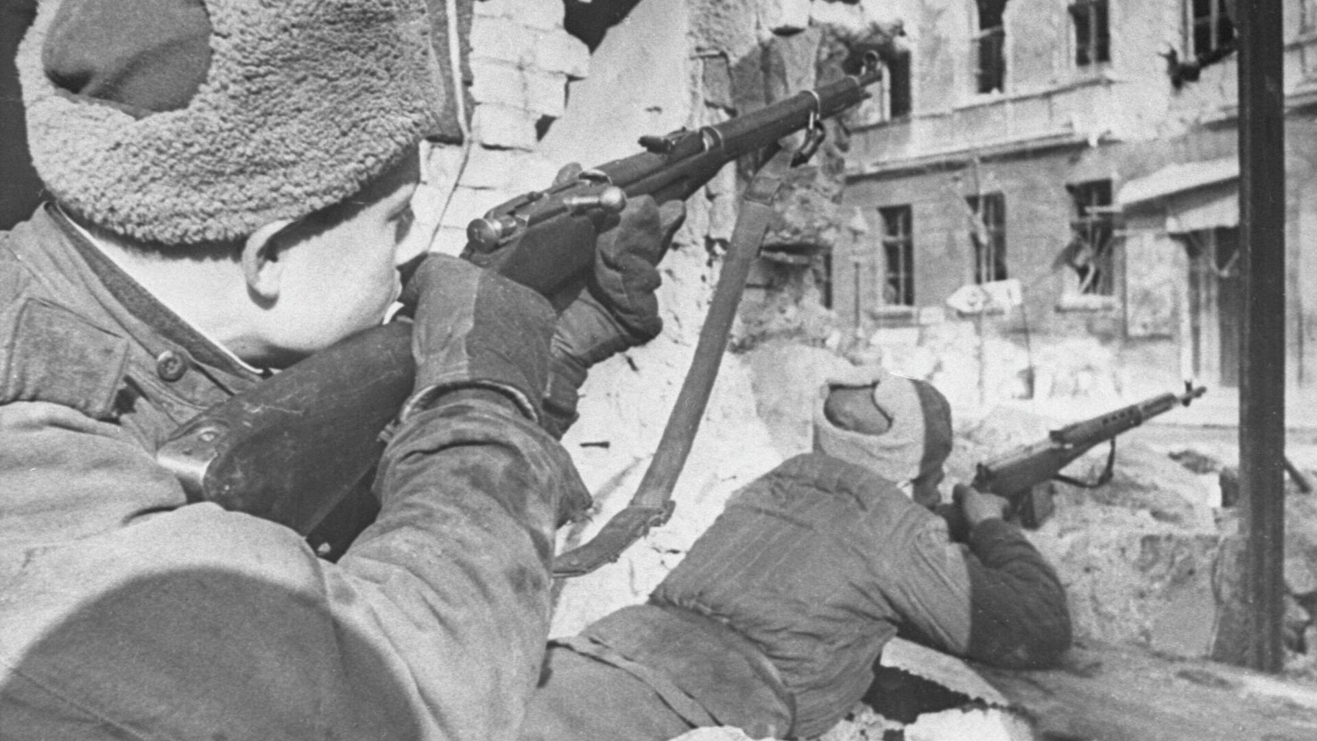 Бои на улицах Будапешта. Будапештская операция, 29 октября 1944 г. — 13 февраля 1945 г. - РИА Новости, 1920, 09.05.2021