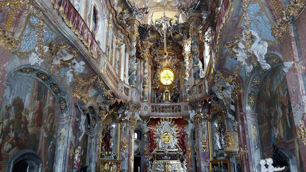 Церковь Азамкирхе в Мюнхене
