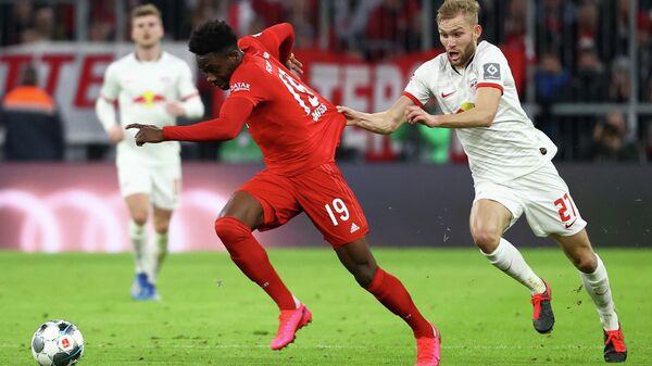 Игровой момент матча Бавария - Лейпциг