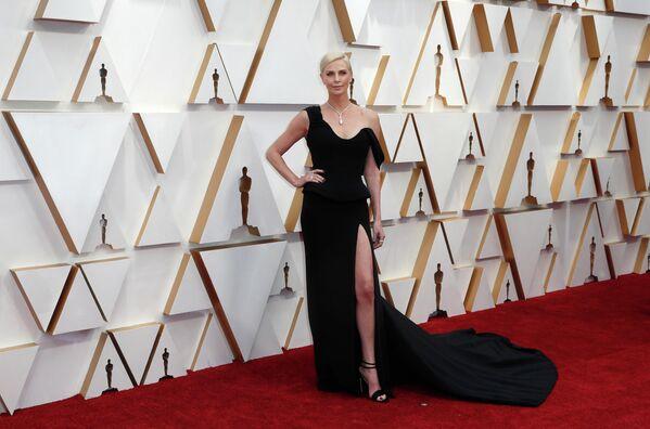 Актриса Шарлиз Терон на церемонии вручения премии Оскар