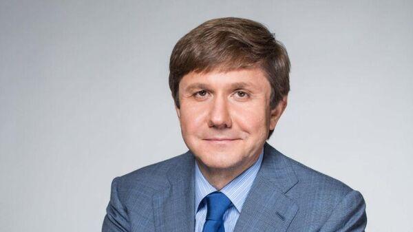 Председатель совета директоров Группы компаний Просвещение Владимир Узун