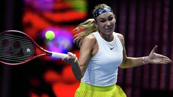 Донна Векич (Хорватия) в матче женского одиночного разряда на турнире St.Petersburg Ladies Trophy 2020 против Ан Кристи (США).