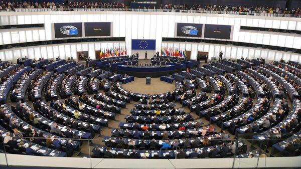 Депутаты на пленарной сессии Европейского парламента в Страсбурге
