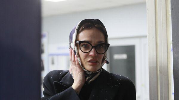 Алена Водонаева в отделении полиции