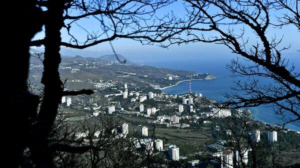 Вид на побережье Черного моря в Крыму