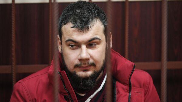 Ефим Ефимов, ранивший ножом двух служителей в храме Святителя Николая в Москве, в Таганском суде