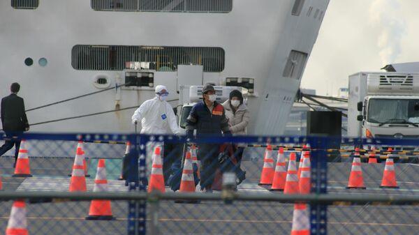 Судно Diamond Princess в порту Йокогама