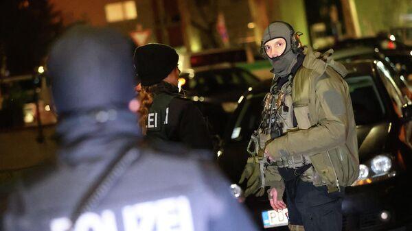 Полиция на месте стрельбы в Ханау под Франкфуртом, Германия. 20 февраля 2020