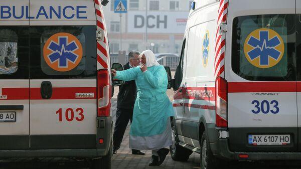 Автомобили скорой помощи в аэропорту Харькова