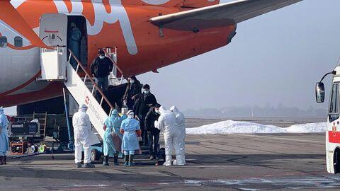 Эвакуированные из Китая в аэропорту Харькова, Украина. 20 февраля 2020