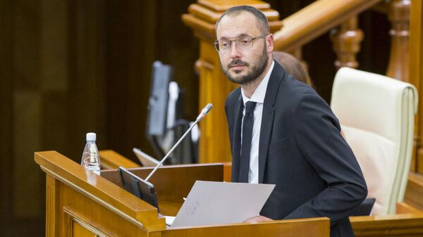 Депутат от партии Действие и солидарность Сергей Литвиненко