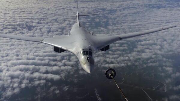 Дозаправка Ту-160 на скорости 600 километров в час попала на видео