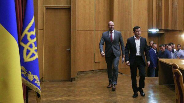 Президент Украины Владимир Зеленский и глава Ивано-Франковской области Денис Шмыгаль