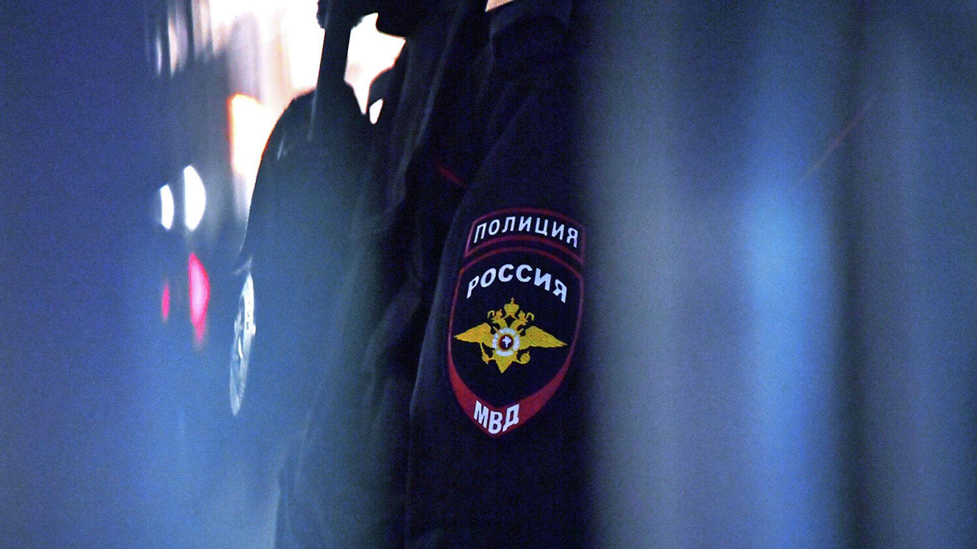 Эмблема на форме сотрудника полиции - РИА Новости, 1920, 01.02.2021