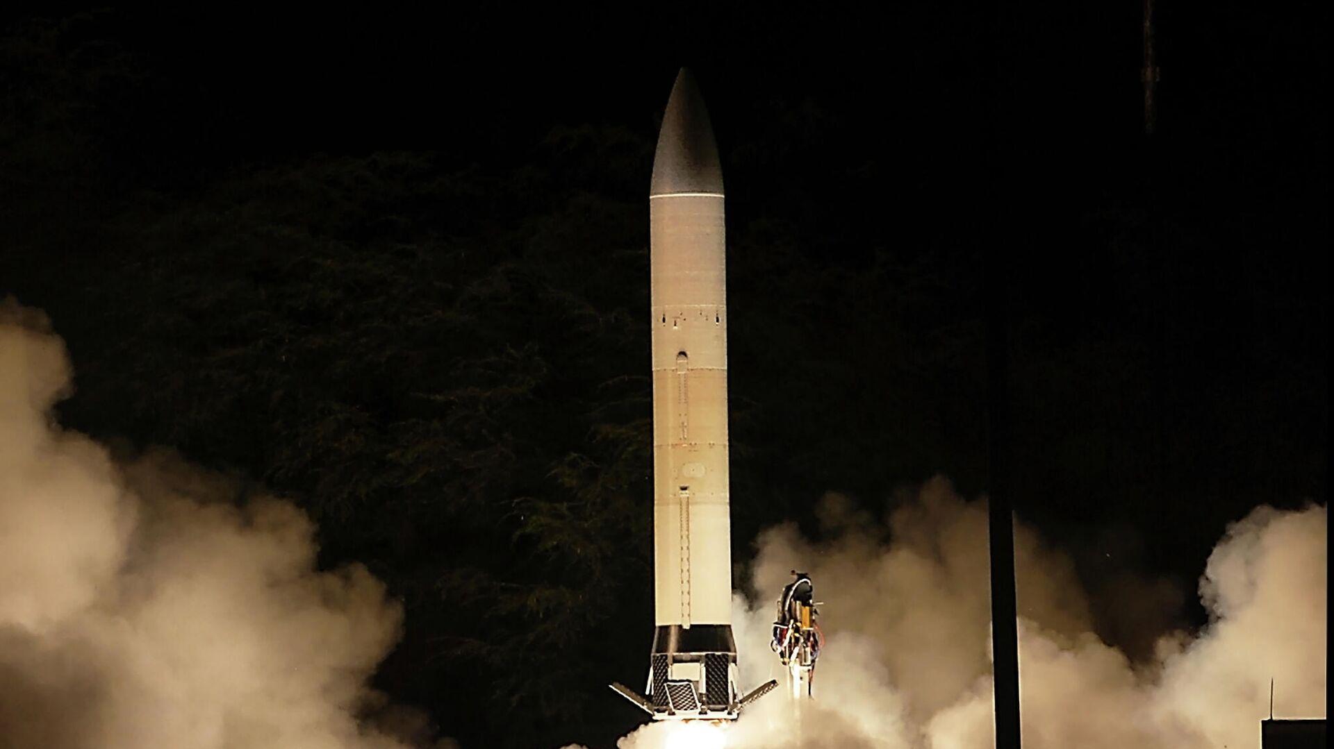 Первый запуск прототипа перспективного гиперзвукового оружия (Advanced Hypersonic Weapon ) на полигоне в США - РИА Новости, 1920, 30.10.2020