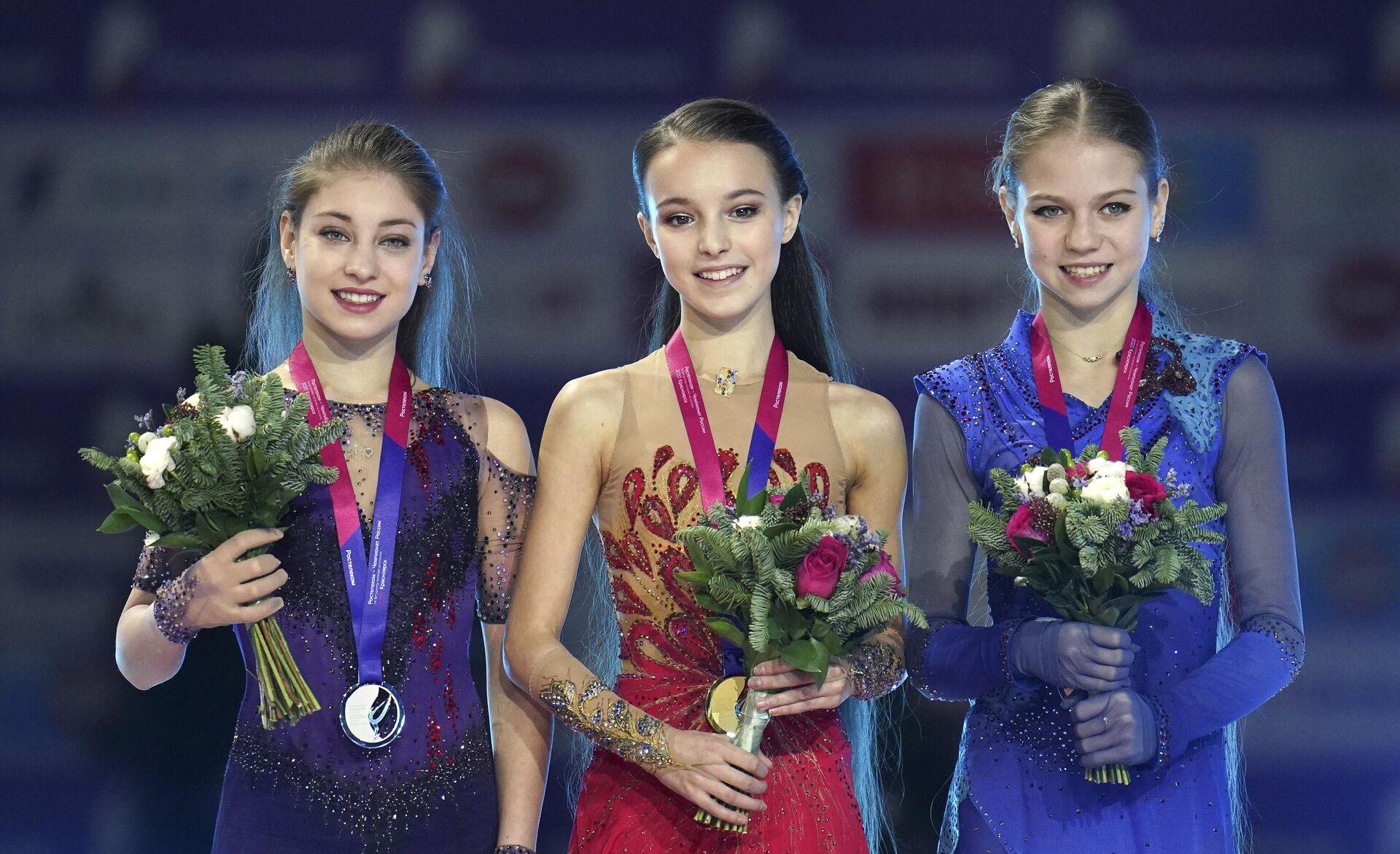 Слева направо: Алена Косторная, Анна Щербакова и Александра Трусова - РИА Новости, 1920, 24.12.2020