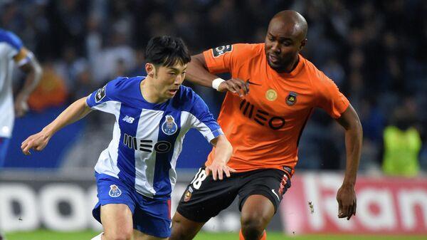 Игровой момент матча Порту - Риу Аве