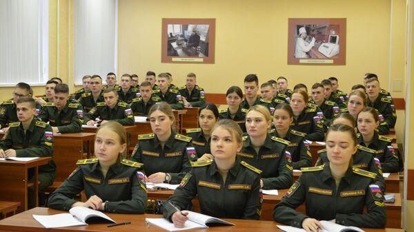Курсанты Военной академии РХБЗ