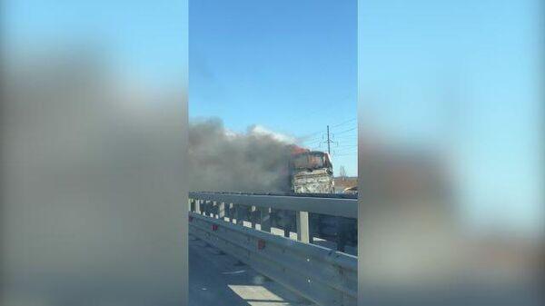 Кадры пожара в туристическом автобусе в Санкт-Петербурге