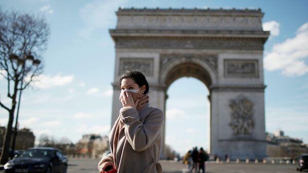 Увидеть Париж и умереть? Европа восприняла вирус на шенгенном уровне