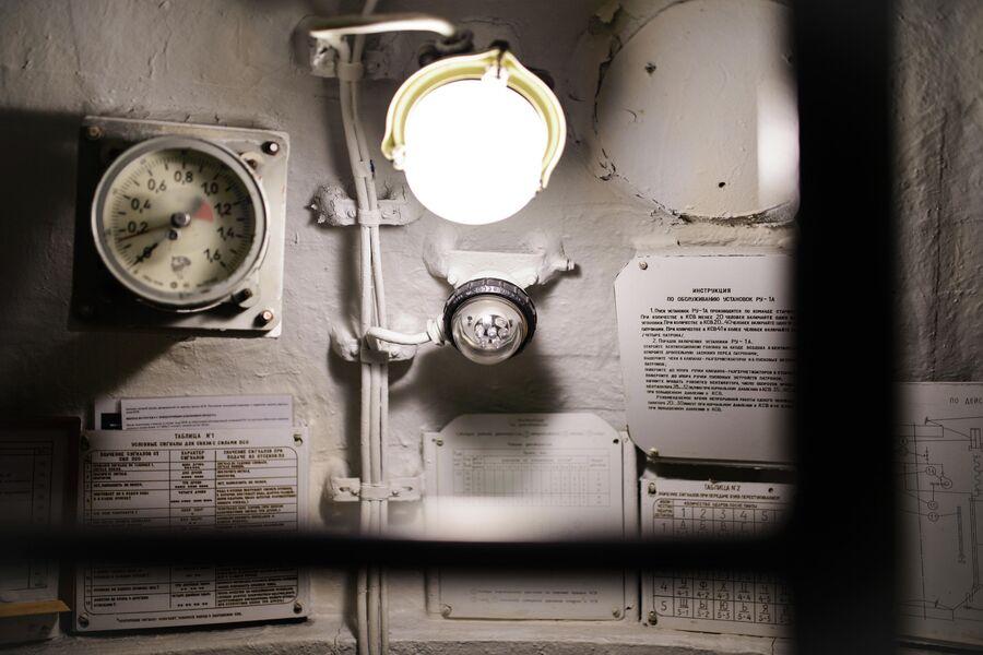 Внутри спасательной камеры атомной подводной лодки Северодвинск