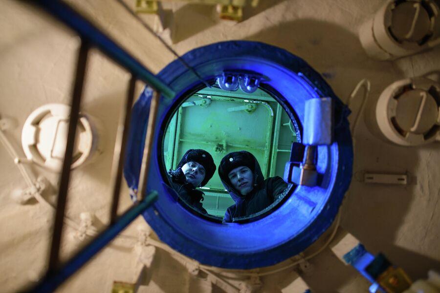 Члены экипажа атомной подводной лодки Северодвинск