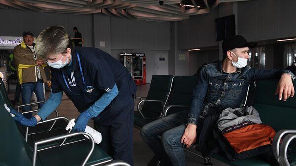 Усиление санитарного контроля в аэропорту Толмачово
