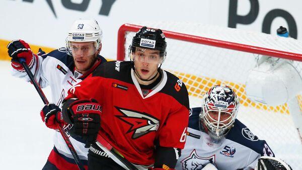 Алексей Волгин (слева)