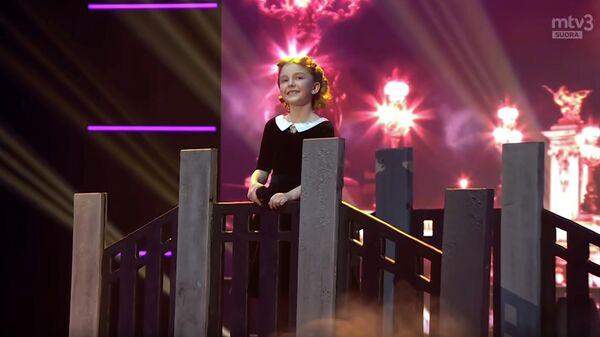 Стоп-кадр видео выступления Вероники Истоминой на конкурсе Talent Suomi