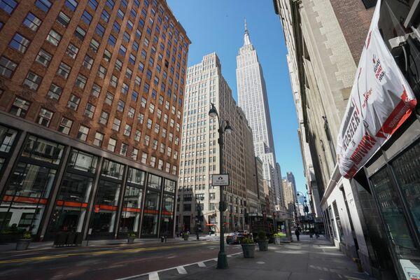 Пустая 34-я улица в Нью-Йорке