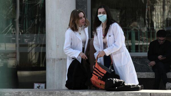 В Греции женщина с коронавирусом родила здорового ребенка