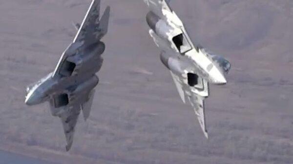 Летчики ВКС освоили истребители Су-57