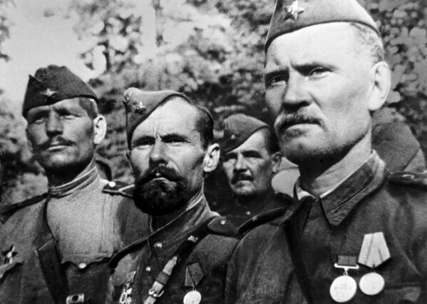 Бойцы Красной Армии в дни Великой Отечественной войны