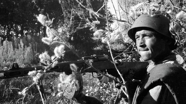 Боец Тойли Атаджанов в бою на подступах к Сталинграду