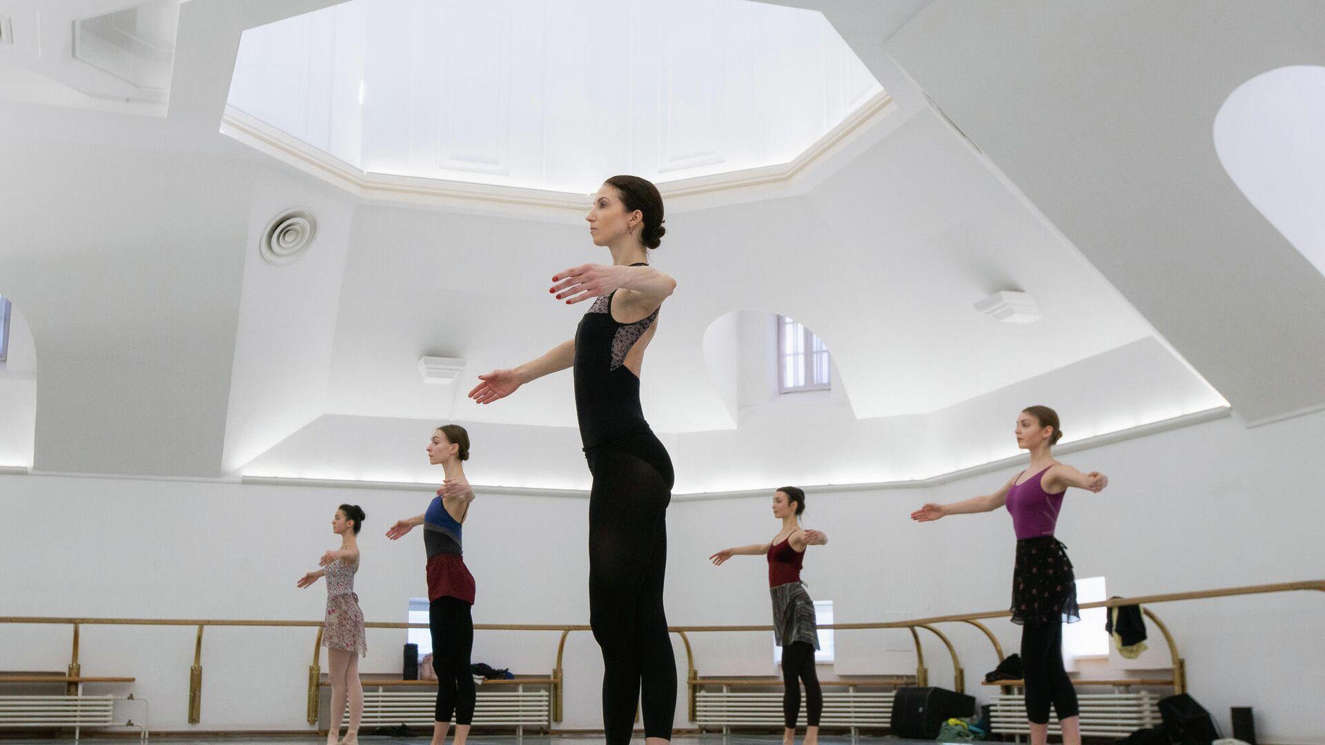 Репетиция артистов балета - РИА Новости, 1920, 29.03.2020
