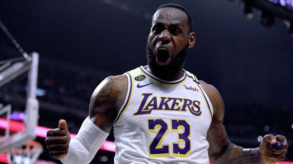 Баскетболист Лос-Анджелес Лейкерс Леброн Джеймс