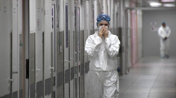 Медицинский работник в больнице
