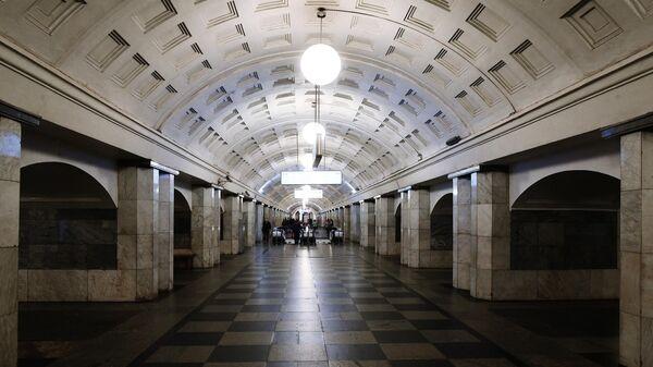 Безлюдная станция Охотный ряд Московского метро
