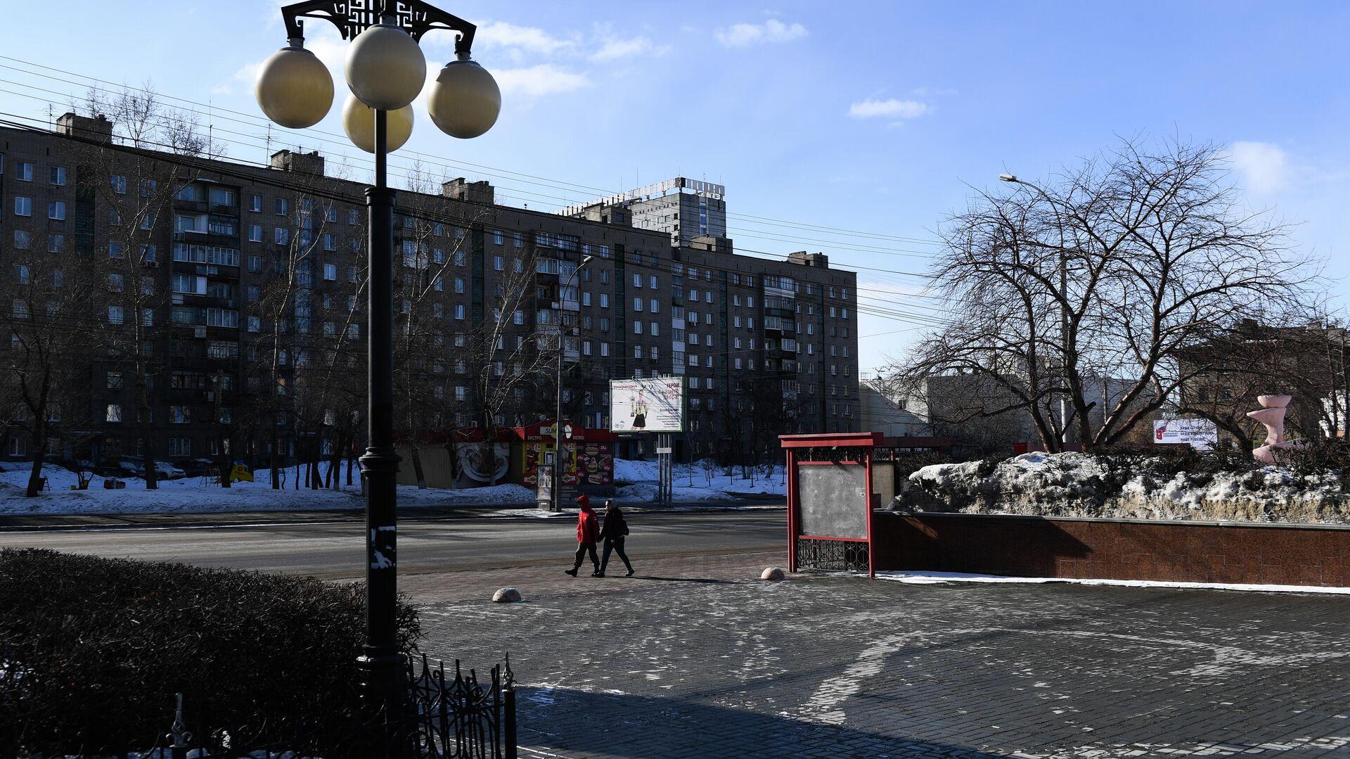 Прохожие на улице в Новосибирске - РИА Новости, 1920, 25.01.2021