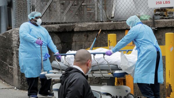 Транспортировка зараженного вирусом COVID-19 в Бруклинский больничный центр
