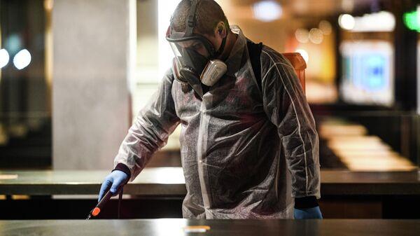 Санитарная обработка в помещениях ресторана MacDonalds на Тверской улице