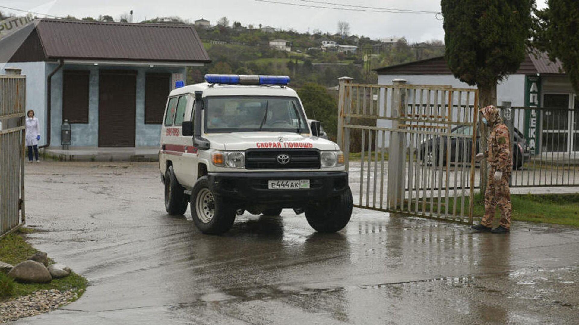 В Крыму школьница упала во время полета на параплане