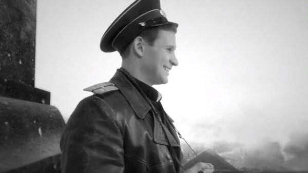 Знамя Победы над Рейхстагом: RT воссоздал момент исторического снимка