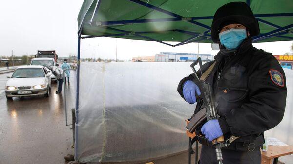 Сотрудник правоохранительных органов в Казахстане