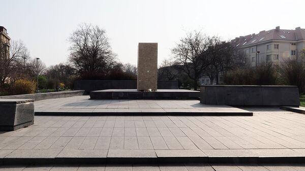 Место, где находился памятник маршалу СССР Ивану Коневу в Праге