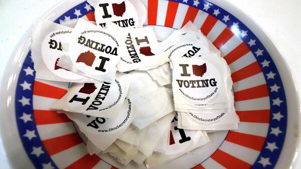 На избирательном участоке для предварительного голосования по отбору кандидатов на президентских выборах в США