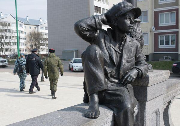 Члены станичного казачьего общества Рузского района совместно с сотрудниками правоохранительных органов патрулируют улицы Рузы во время режима самоизоляции в Московской области