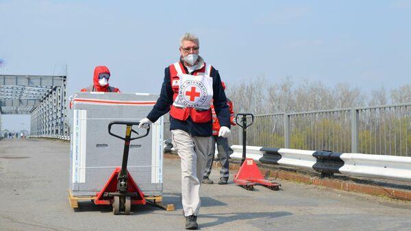Завоз гуманитарного медицинского груза от МККК в ЛНР через пункт пропуска Станица Луганская