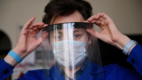 Защитный экран, напечатанный на 3D принтере в Москве