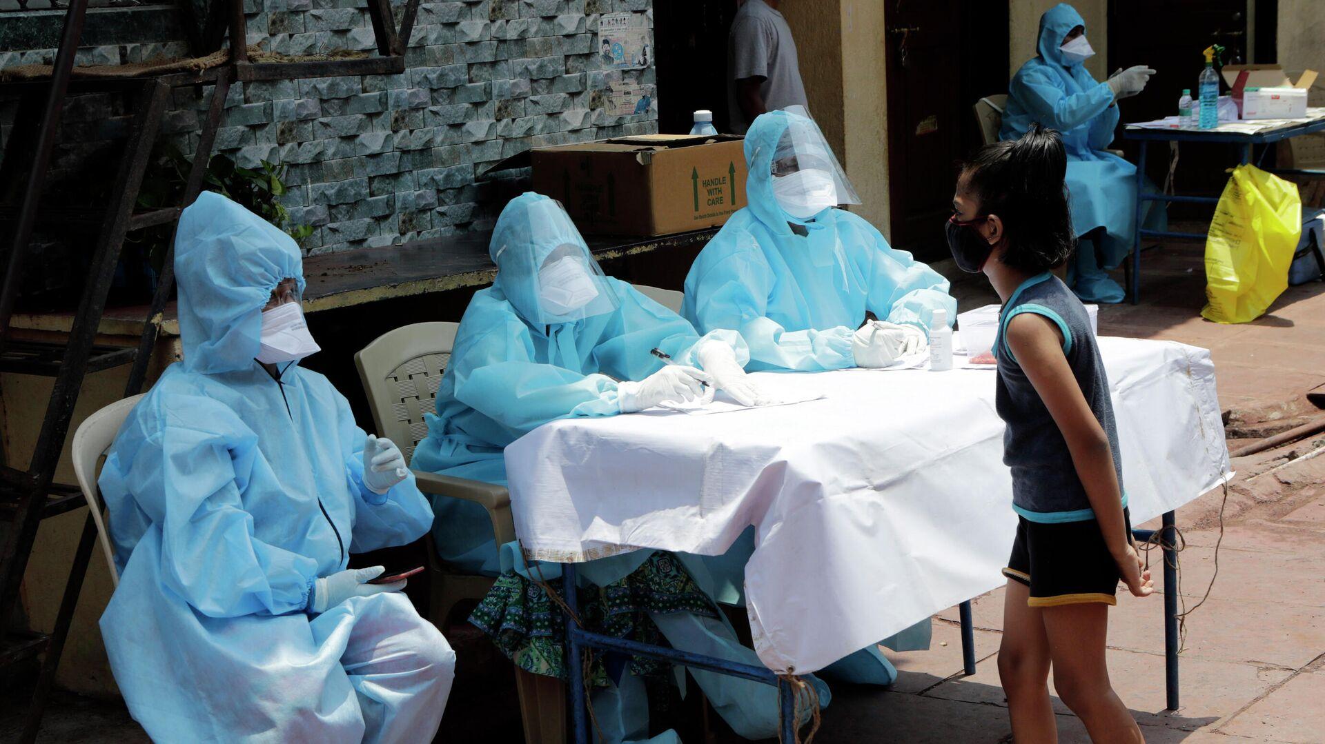 Роспотребнадзор оценил риск завоза инфекций из Индии